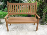 garden bench in iroko 1