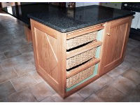 Dining island in oak and black granite 2