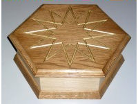 Hexagonal jewel box in oak, ash and gold leaf 1