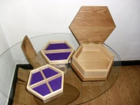 Hexagonal jewel box in oak, ash and gold leaf 2